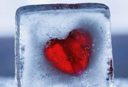 Vivir con una pareja alexitímica: la frialdad relacional
