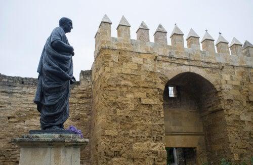Estatua de Séneca en Córdoba