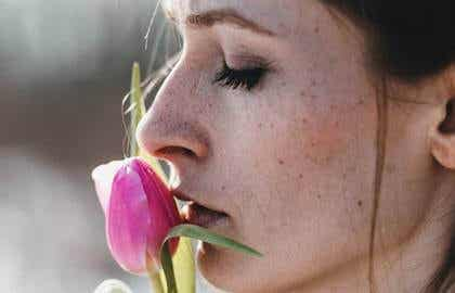 El peso de la herida abierta: cuando la víctima se convierte en verdugo
