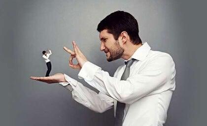 La personalidad despectiva, ¿qué hay detrás de este comportamiento?