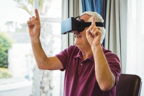 Hombre con programa realidad virtual