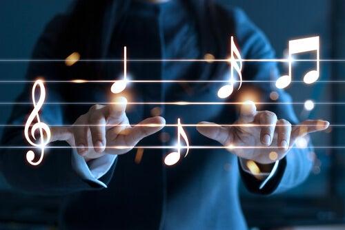 Hombre con un pentagrama con notas musicales