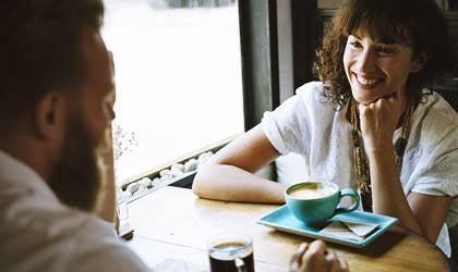 Las conversaciones interesantes potencian el bienestar