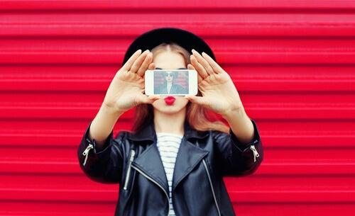 El narcisismo digital: la incesante búsqueda del yo