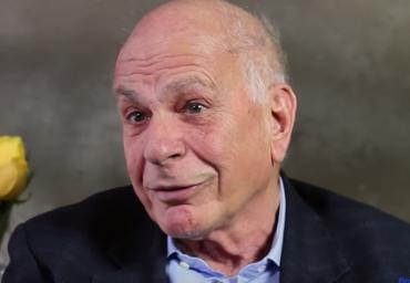 Daniel Kahneman: biografía del psicólogo que ganó el Nobel de Economía