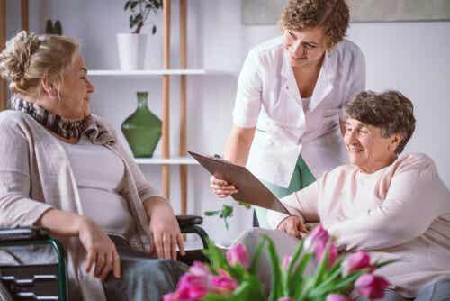 Cómo elegir la mejor residencia de ancianos