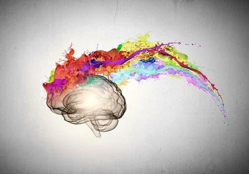 Cerebro con ráfaga de colores