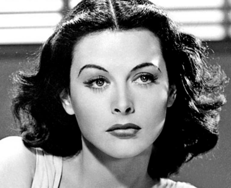 Hedy Lamarr, biografía de una bella genio