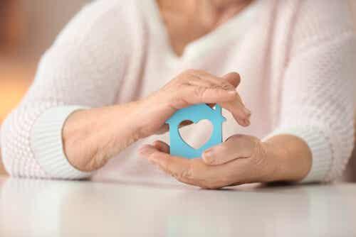 Envejecer en casa: alternativas para nuestros mayores