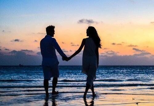 Amores de verano: ¿pasiones efímeras con fecha de caducidad?