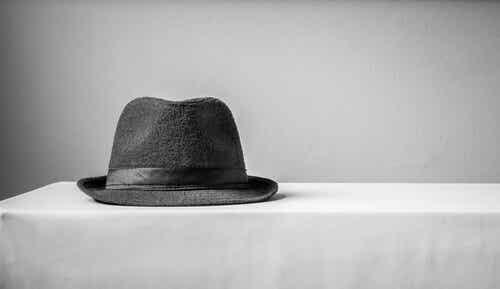 El caso del Doctor P, el hombre que confundió a su mujer con un sombrero