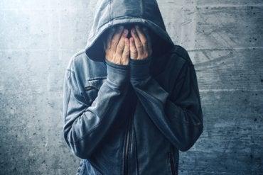 La relación entre la autoestima y el consumo de drogas