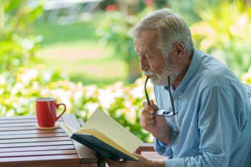 ¿Qué ocurre con la inteligencia al envejecer?
