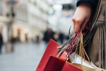 5 señales que delatan a los compradores compulsivos