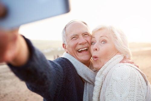 ¿Envejecer o hacerse viejo?