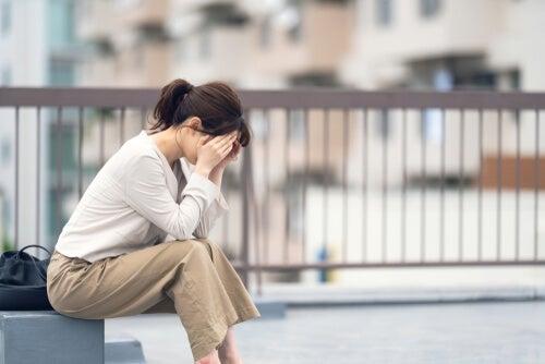 Mujer con ansiedad social