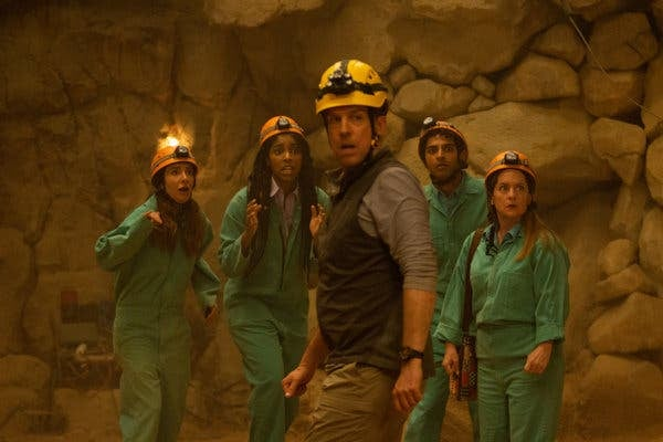 Trabajadores en una cueva