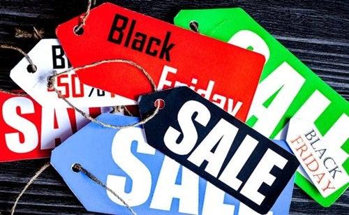 Carteles representando la psicología del Black Friday