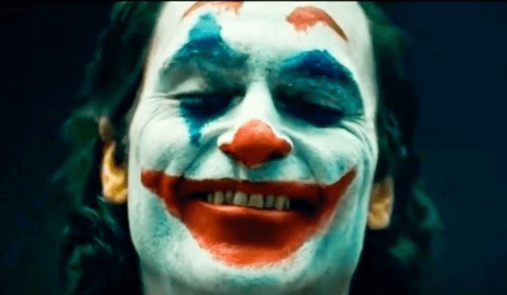 Joker riéndose