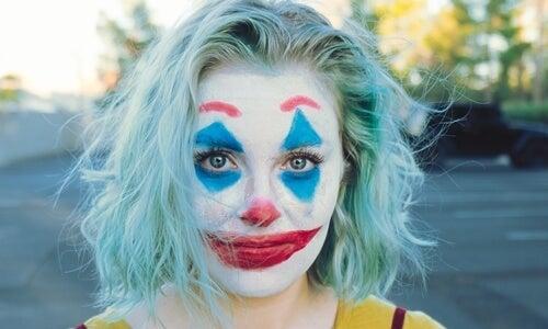 Sentido del humor y depresión: quien hace reír también sufre