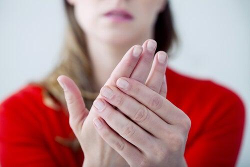 ¿Por qué se duermen las manos?