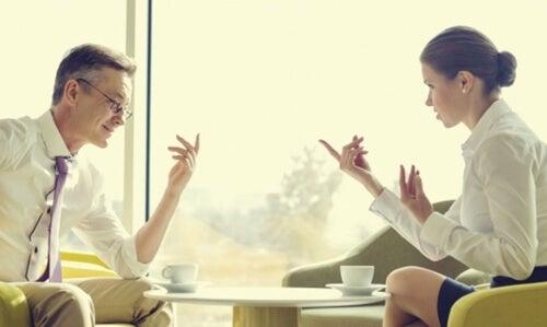 Cómo comunicarnos con personas que piensan diferente