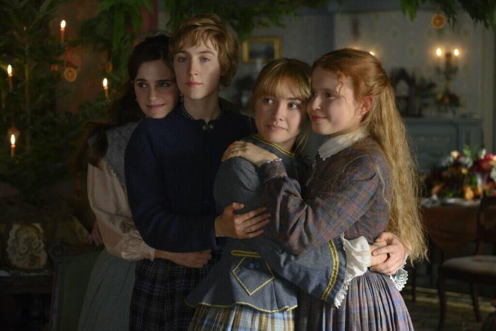 Cuatro hermanas abrazadas