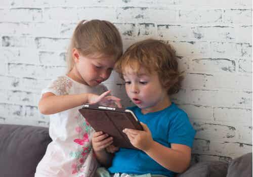 ¿Las nuevas tecnologías son un obstáculo para que los niños aprendan a gestionar sus emociones?