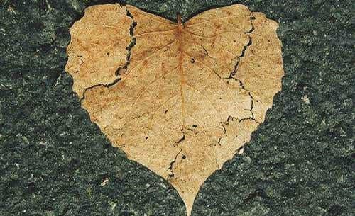 Autolesiones emocionales: cuando nosotros mismos nos hacemos daño