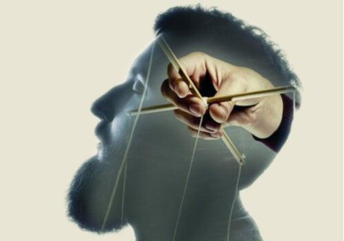 La industria hace que nos sintamos culpables: enemigos de nuestra voluntad