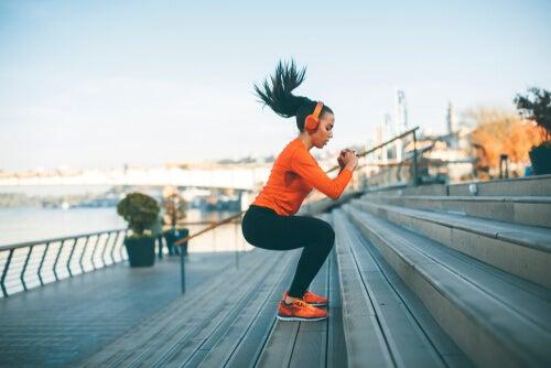 Mujer haciendo deporte