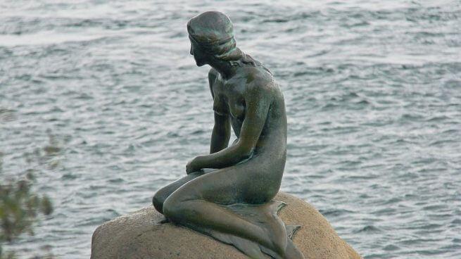 sirenita para representar el concepto de la palabra danesa Pyt