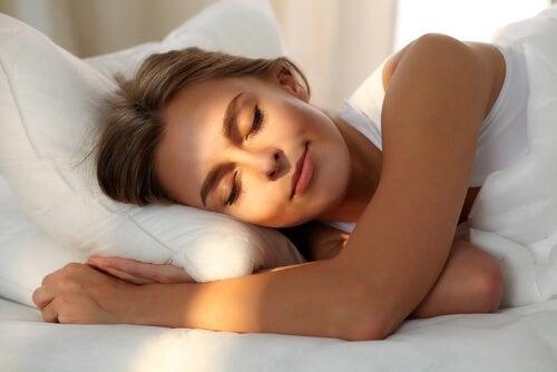 ¿Cuál es tu patrón de sueño y cómo influye en tu salud?