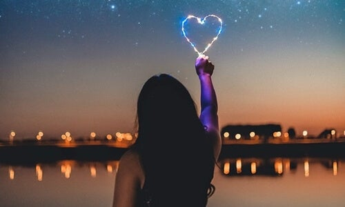 Personas enamoradizas: ¿qué hay detrás de este tipo de personalidad?
