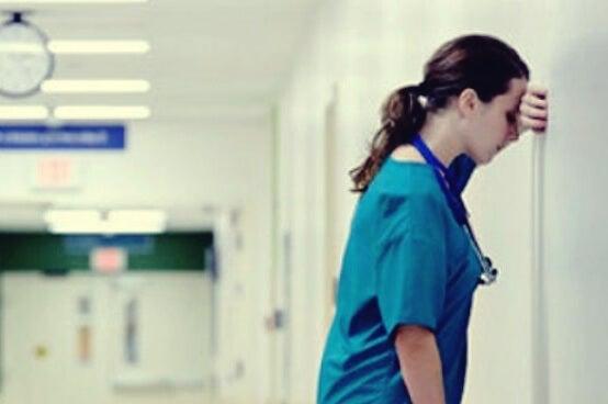 Enfermera estresada