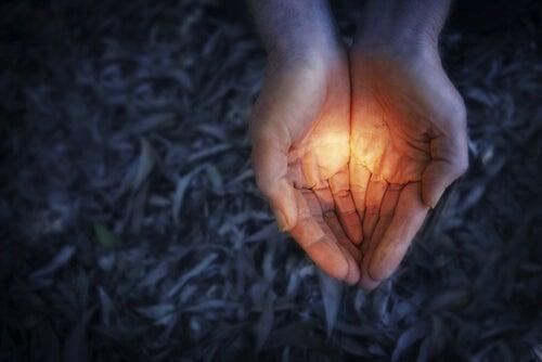 El efecto Pandora: las personas siempre mantenemos la esperanza