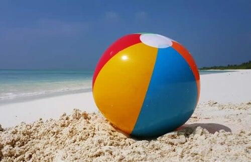 La metáfora de la pelota en la playa para regular las emociones