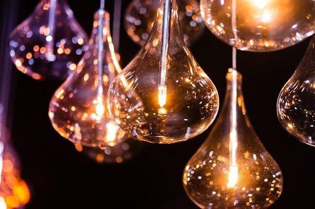 Bombillas representando la creatividad y la innovación