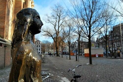 Estatua de Ana Frank
