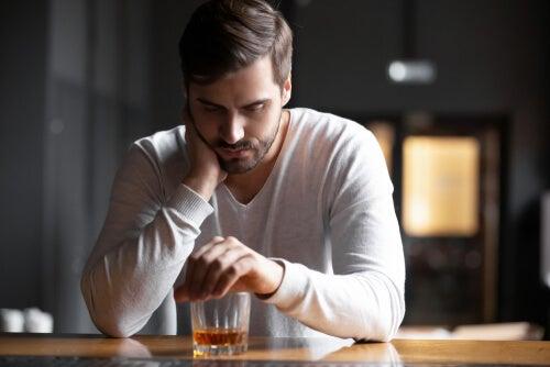 Las cuatro fases del alcoholismo