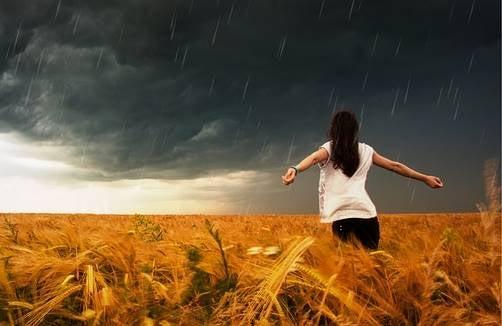 Las tormentas son temporales, tu actitud inoxidable