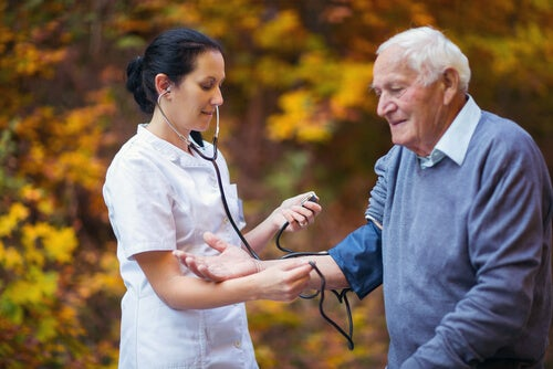 Relación entre hipertensión arterial y deterioro cognitivo