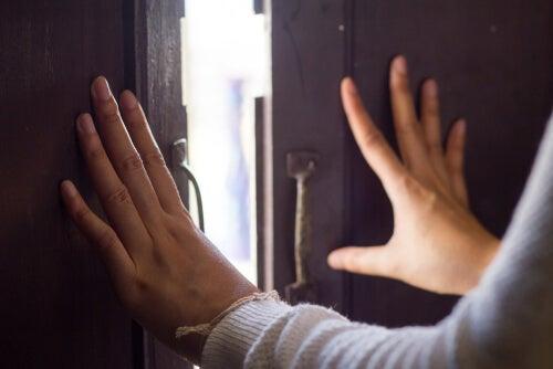 Cómo abrir las puertas cuando se acabe la cuarentena: el día de después