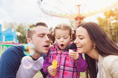 Qué es la crianza platónica o crianza compartida