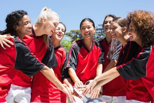 Equipo de mujeres futbolistas