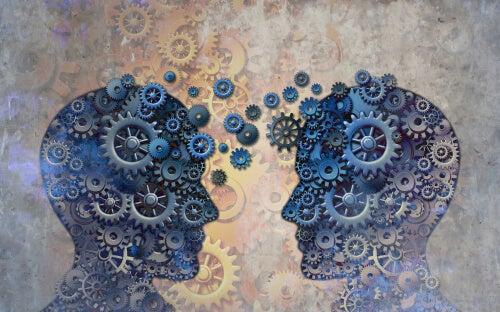 Mentes con mecanismos de dos personas