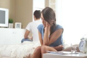 ¿Apego ansioso o pareja evasiva?