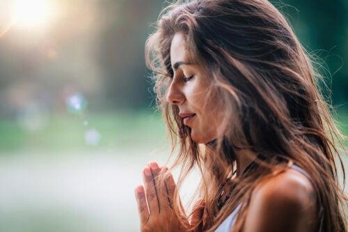 5 maneras de encontrar la paz interior en un mundo ansioso