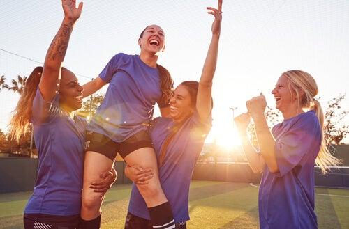 Deporte y mujer, el techo de cristal más visible que nunca