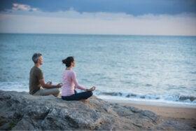 ¿La meditación ayuda a mejorar las relaciones con los demás?